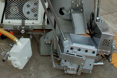 DY-SPTC thermoplastic road marking machine 01