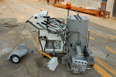 AC-SPTC thermoplastic road marking machine