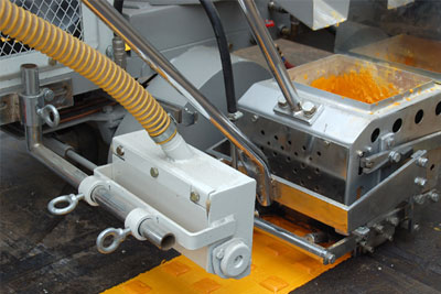 AC-SPTC thermoplastic road marking machine 02