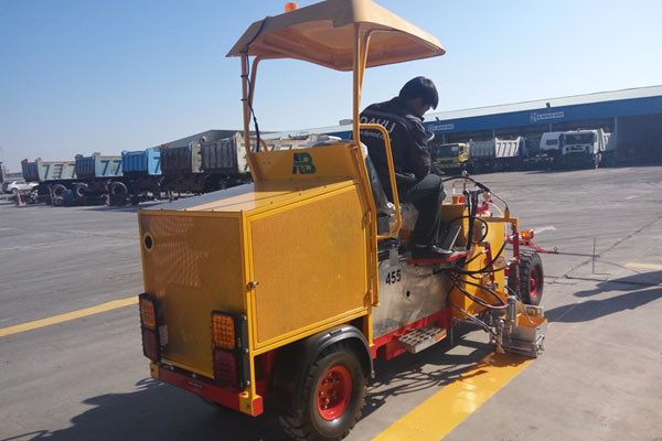 AC-STM thermoplastic road marking machine 01